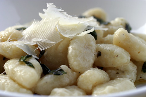 Gnocchi with thyme &  basil butter sauce 031 edited120dpi