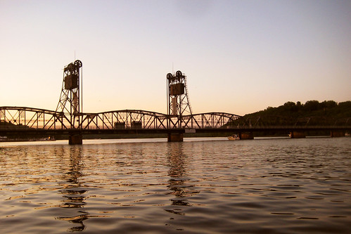 bridge sunset water minnesota river washington sundown dusk stcroix stillwater mn stcroixriver liftbridge washingtoncounty