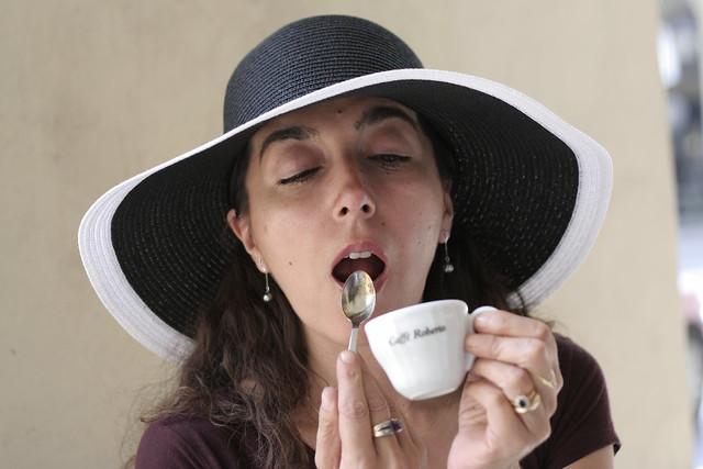 Caffè  R.o.b.e.r.t.o