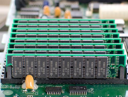 16MB RAM SIMMs in a Macintosh SE/30