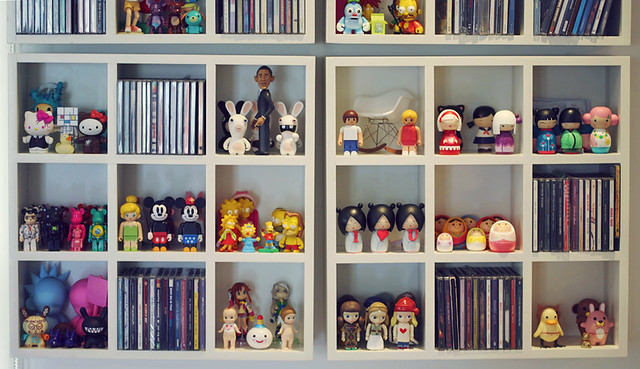 tiny toys shelf
