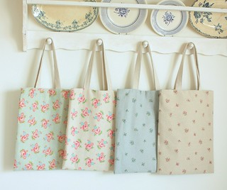 simple spring totes for friends and me