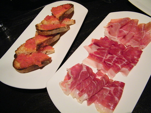 'Pa amb' tomaquet, Jamones. MyLastBite.com