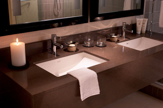 Luxury Obsession With The Luxury Of Quartz Countertops In The Bathroom Is Evident For Its Splendor That Matches Its Amazing Durability The Bathroom Vanity Plays Host To Many Beauty Products Containing Ingredients Made To Enhance Our