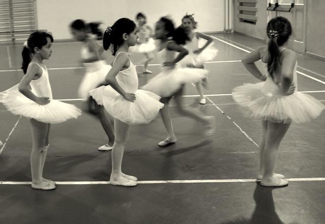 A scuola a passo di danza a photo on flickriver for Arredamento scuola di danza