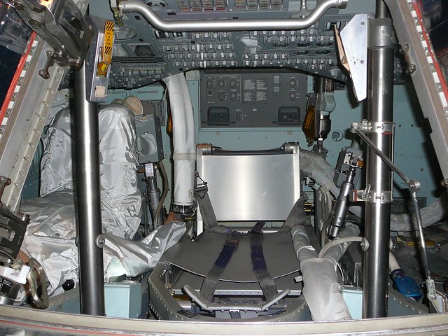inside apollo capsule houston - photo #43