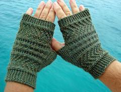 Handknit mitts
