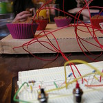 Cakes with Arduino and wires
