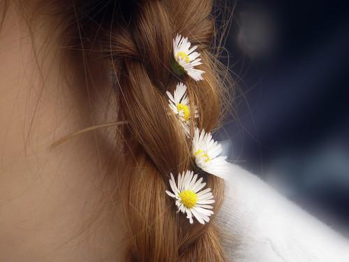 Le acconciature estive per i capelli lunghi
