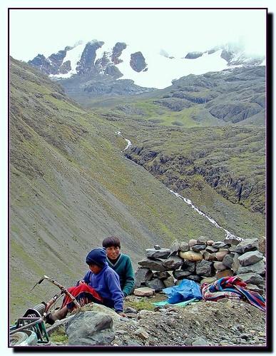 Crianças nas montanhas - Peru
