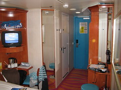 vehicle(0.0), room(1.0), cabin(1.0), interior design(1.0),