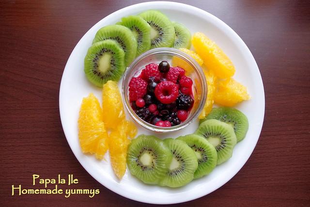 Pancakes cu ciocolata si fructe (8)