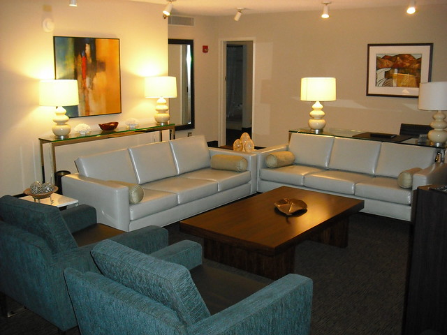 Suite definition meaning for Family room definition