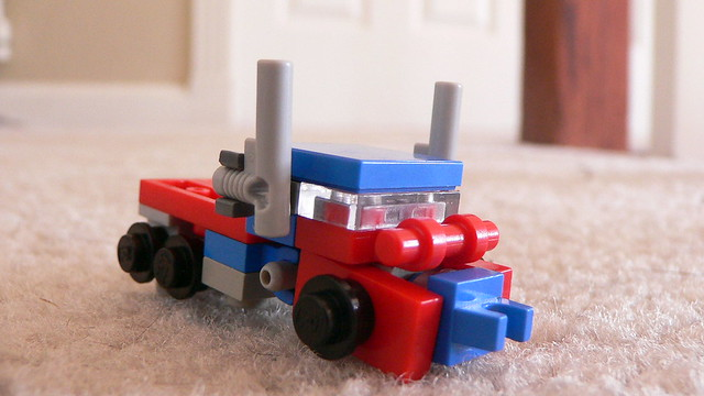 how to build a mini lego transformer motorcycle