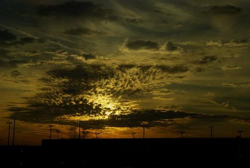 sunrise geotagged dawn airport louisiana neworleans explore hdr vicenç naturesfinest blueribbonwinner photomatix neworleansairport nikond80 colorphotoaward superaplus aplusphoto feliú louisarmstrongairport tamrom28300 rubyphotographer paololivornosfriends sabreur76 vicençfeliú geo:lat=29986797 geo:lon=90258266