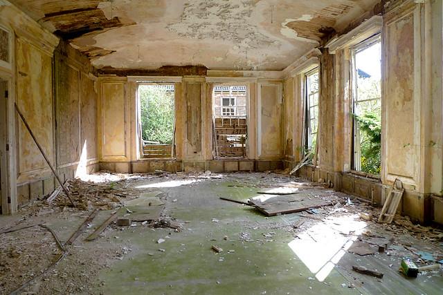 Mansion-Sunroom/Living room - a gallery on Flickr