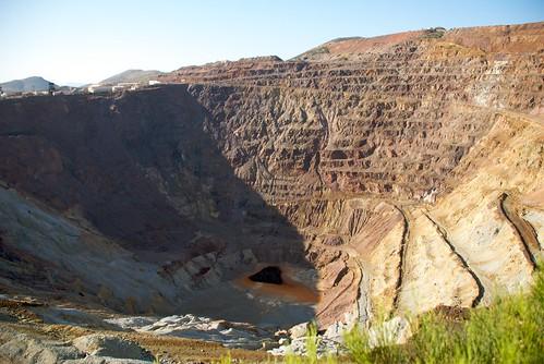 arizona geotagged nikon mine hole deep copper bisbee dig d80 dougjohnson geo:lat=3143582 geo:lon=109900483 bigjohnsonphotoblogspotcom