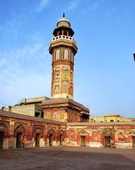 Lahore - Wazir Khan Mosque - Minar