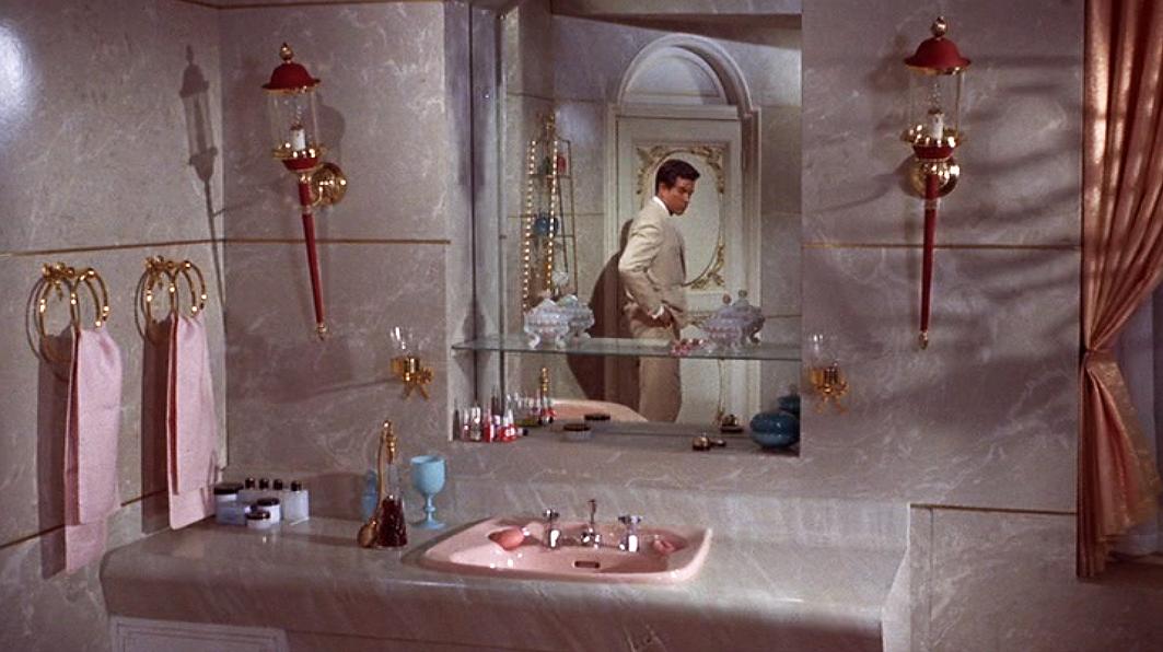 romanspringofmrs.stone_bathroom