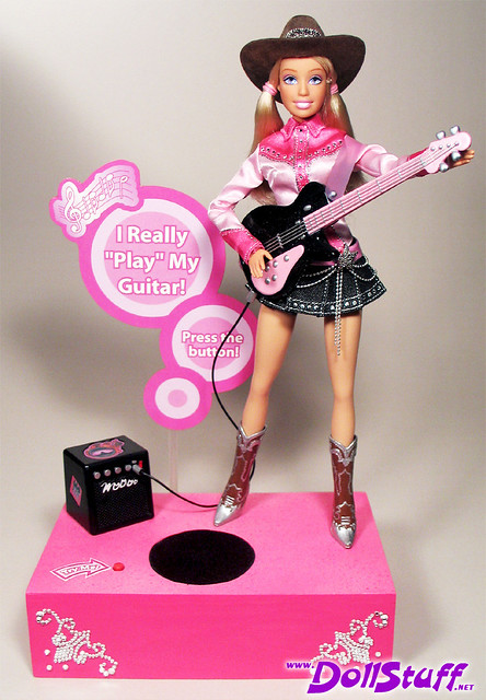 I Can Be a Cool Musician Barbie® Doll par Charles (dollstuff.net)