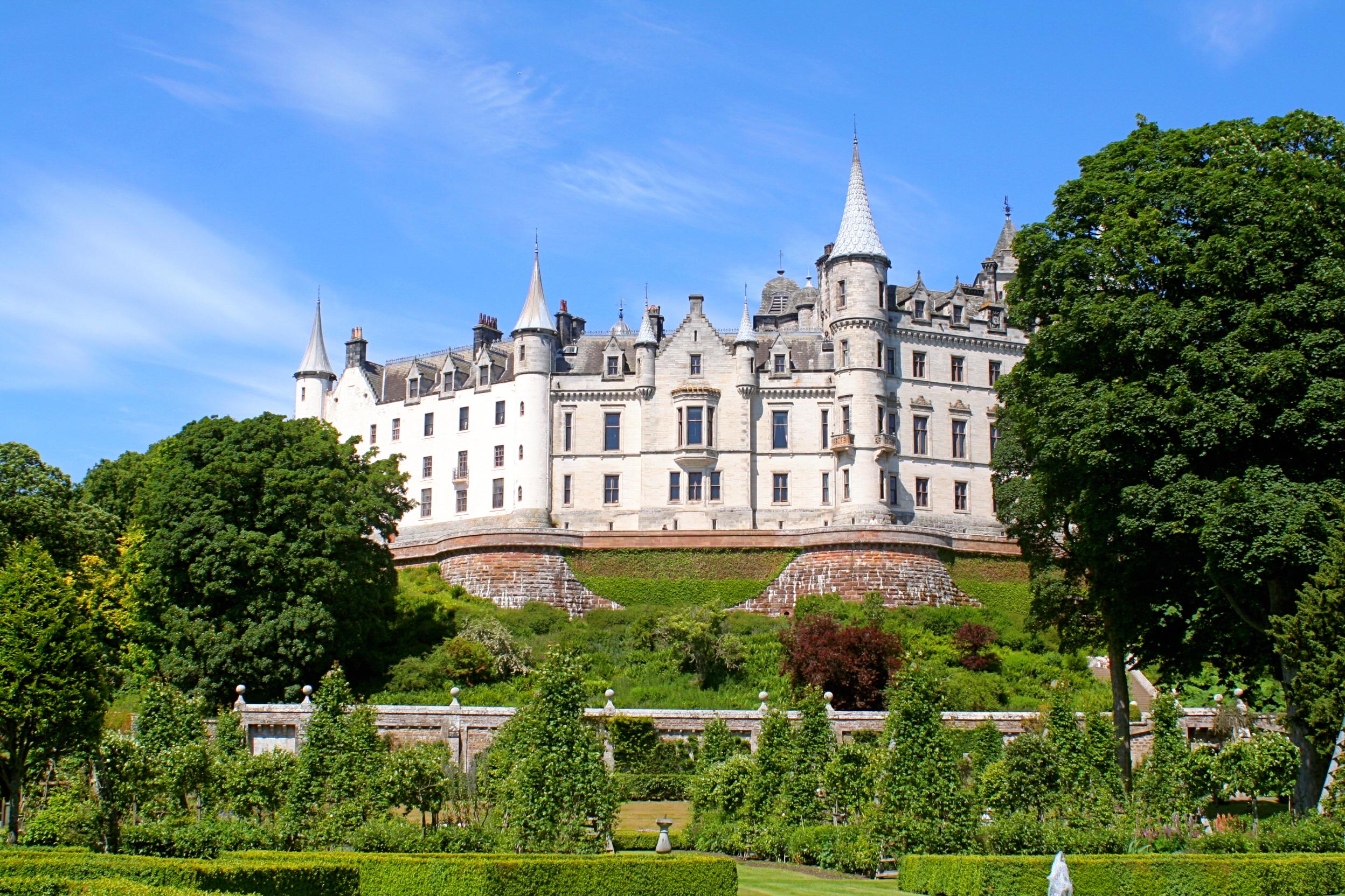 Dunrobin castle golspie sutherland flickr photo sharing for Sutherland home