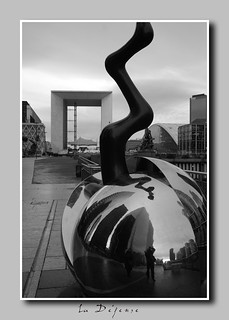 la defense and self portrait