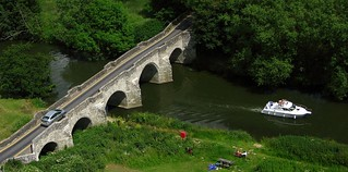 Teston Bridge and Boat (Cropped)