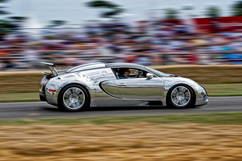 Bugati Veyron by photoarcade