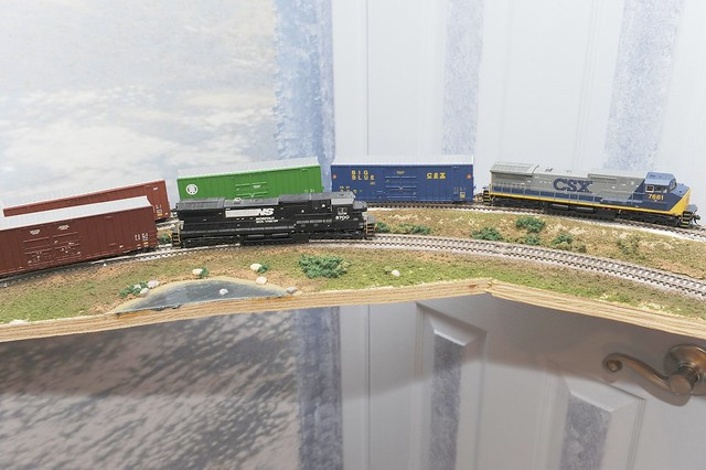 HO Scale Logging Shelf Layouts http://www.flickr.com/photos/29774736@N05/3344416291/