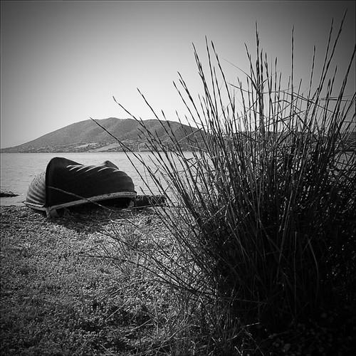 bw beach nature square boat barca mare natura bn greece grecia spiaggia quadrato blackdiamond 500x500 top20blackandwhite salamina blackwhitephotos bnnatura artinbw reflectyourworld francescosaveriofienga circolomicromosso