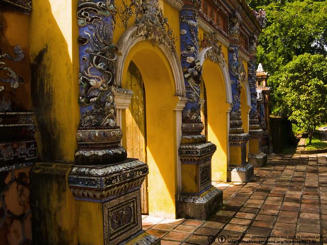 Hué Citadel by CC user hectorbuelta on Flickr