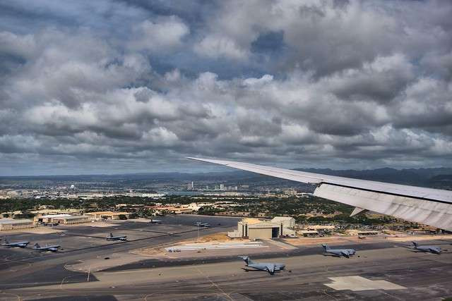 Landing in Honolulu Airport (Welcome To Hawaii)