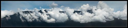 panorama cloud mountain montagne landscape indianocean nuage paysage réunion panoramique laréunion cilaos iledelaréunion cirquedecilaos reunionisland nikond200 dimitile océanindien 70200mmf28 îledelaréunion entredeux mascareignes ledimitile îlebourbon bourbonisland lesmascareignes archipeldesmascareignes fbo264725tif sentierdelachapelle