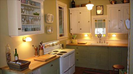 Real homes painted kitchen cabinets martha stewart s arbor green