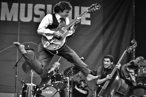 _Moriarty Live Concert @ Fete de la musique bruxelles place des palais 2009-33