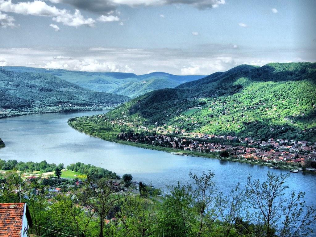 Boucle du Danube depuis le chateau de Visegrad près de Budapest. Photo de David Spender