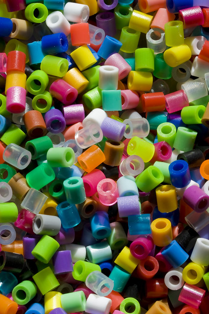 plastic beads color range