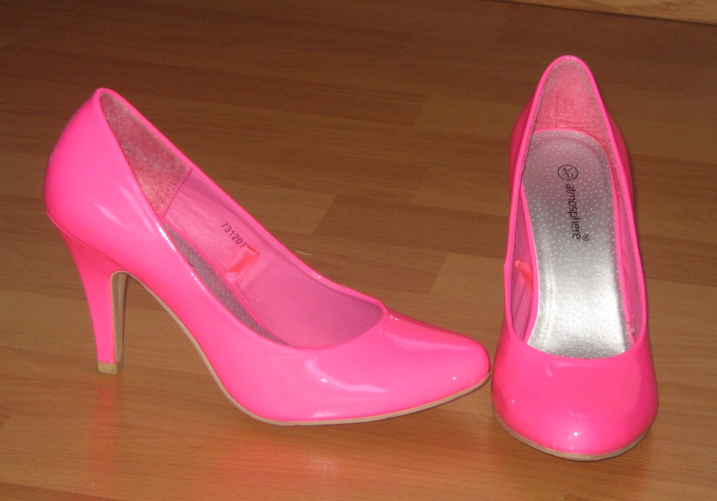 Fluorescent pink high heels - a photo on Flickriver