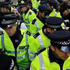 g20-police-arrest-0344sq.jpg