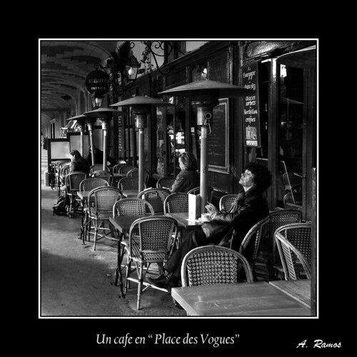 "Un cafe en "" Place des Vogues """