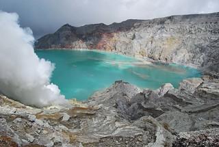 Photo of Kawah Ijen (Ijen Crater Lake), Ijen, Banyuwangi, Jawa Timur, Indonesia