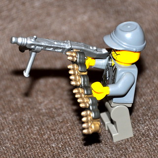 Brickarms Buildable Ammo chain and MG42 prototypes
