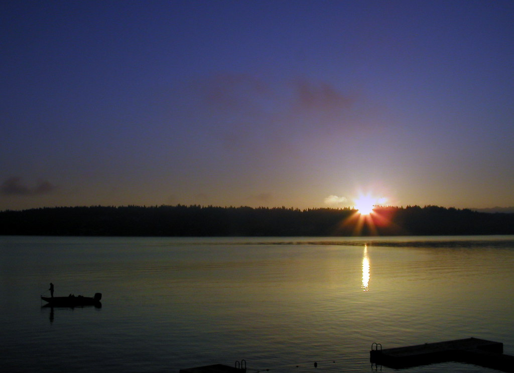 Bellevue Sunrise, 4 April 2009 by KurtClark