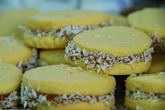 baking, yellow, baked goods, cookies and crackers, produce, food, macaroon, dish, cookie, cuisine, snack food, biscuit,
