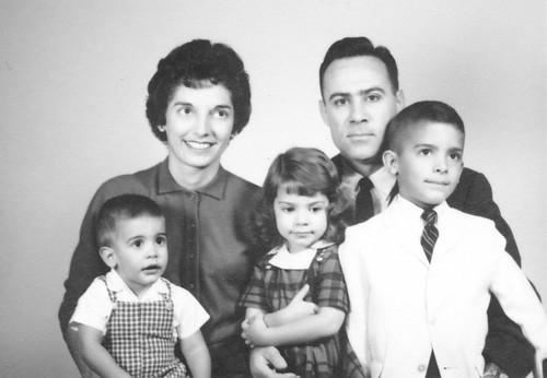 '61-FamilyPortrait