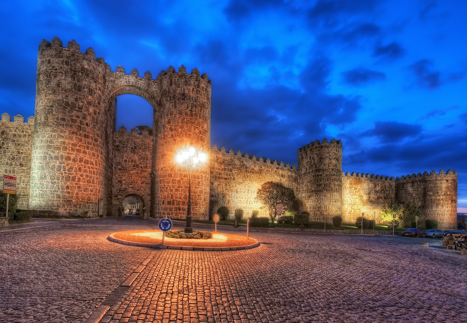 Fluidr / City Walls – Muralla, Ávila (Spain), HDR by marcp_dmoz