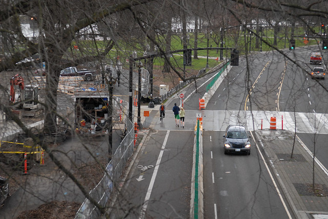 Separated bike-walk lane on Naito-5