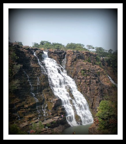 Tirathgarh Waterfall side-view by kaipukur