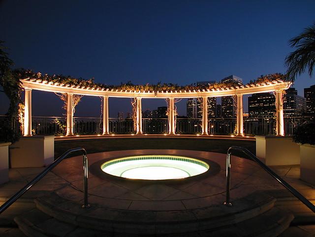 Peninsula Beverly Hills - Jacuzzi