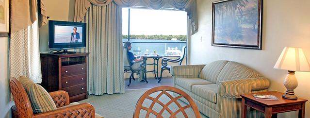 'Tween Waters Inn